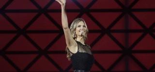Fernanda Lima wins Best Brazilian TV Host Award